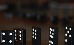 Trik Membaca Kartu Domino Lawan Buat Dapat Menang